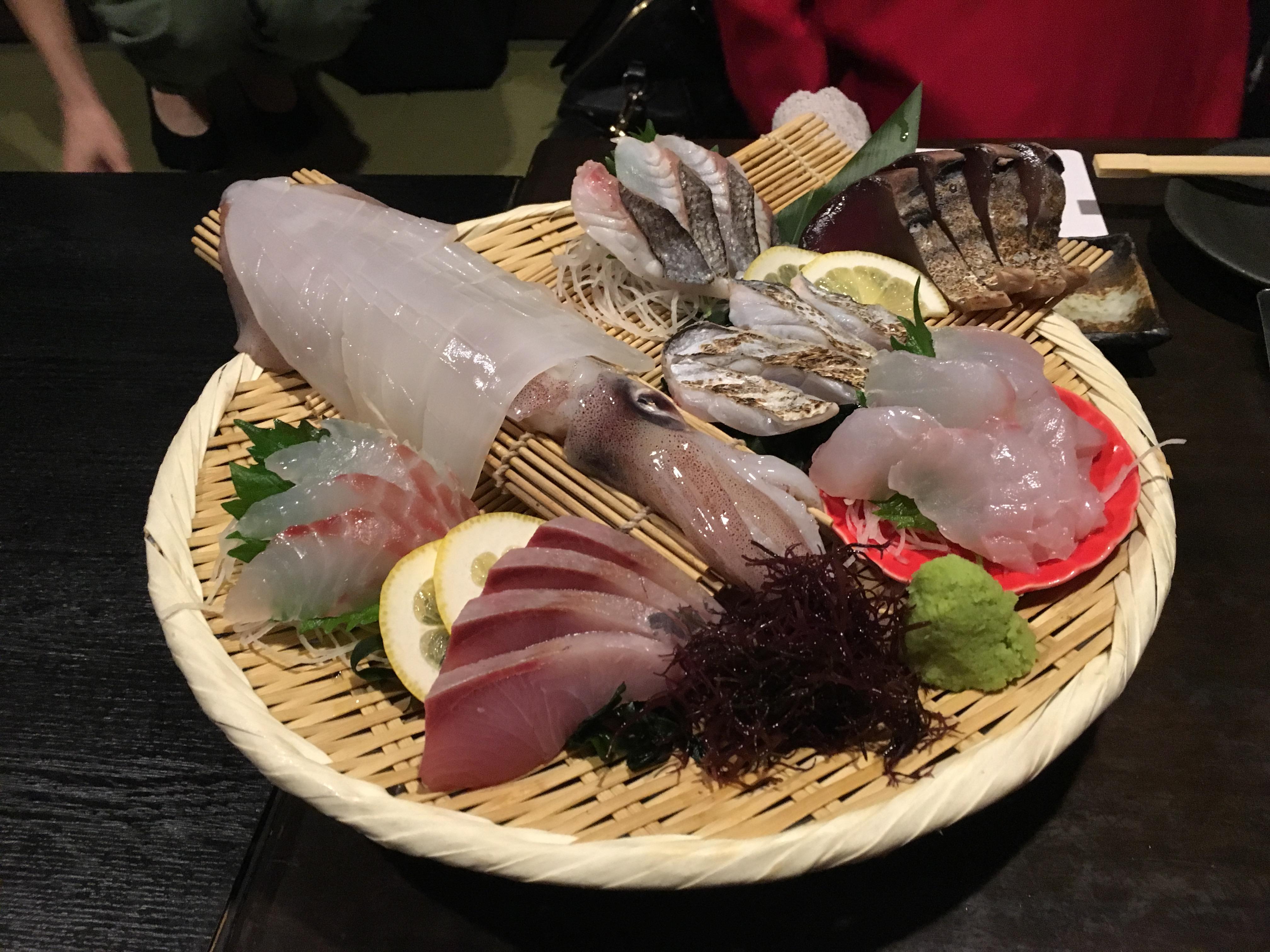 【写真】月まる海〈大橋店〉イカの活け造り